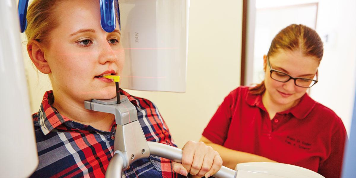Zahnarztpraxis Kugler - DVT 3D-navigierte Implantologie 1